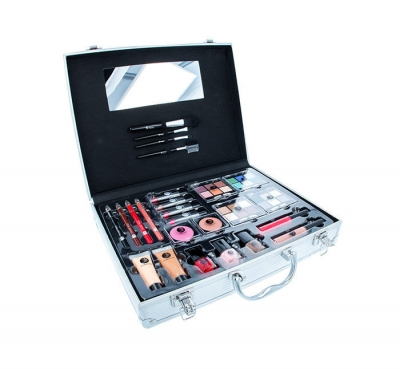 Beauty Unlimited Train Case - 2K - Set cosmetica